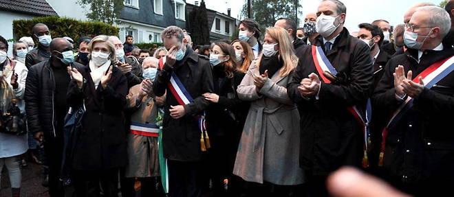 La presidente d'Ile-de-France Valerie Pecresse mene la marche blanche a Eragny en hommage a Samuel Paty.