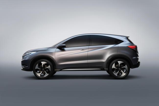 Le modèle définitif attendu pour cette année pourrait revenir à des poignées de portes arrière classiques