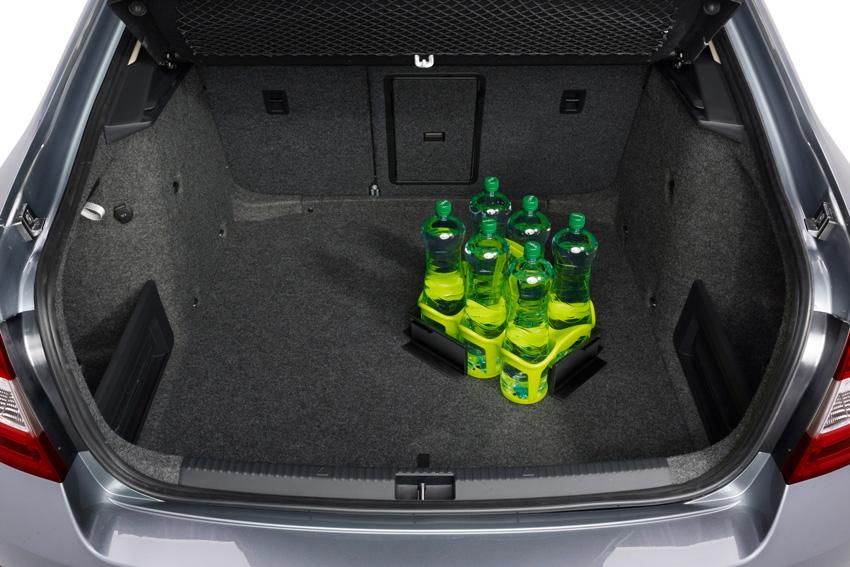 Le volume de coffre de 590 litres reste une référence dans la catégorie des compactes.