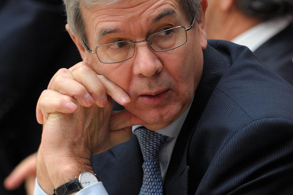 Philippe Varin, Président du Directoire de PSA, doit trouver 'la' solution pour préserver Peugeot et Citroën, à la merci d'un eventuel acheteur.
