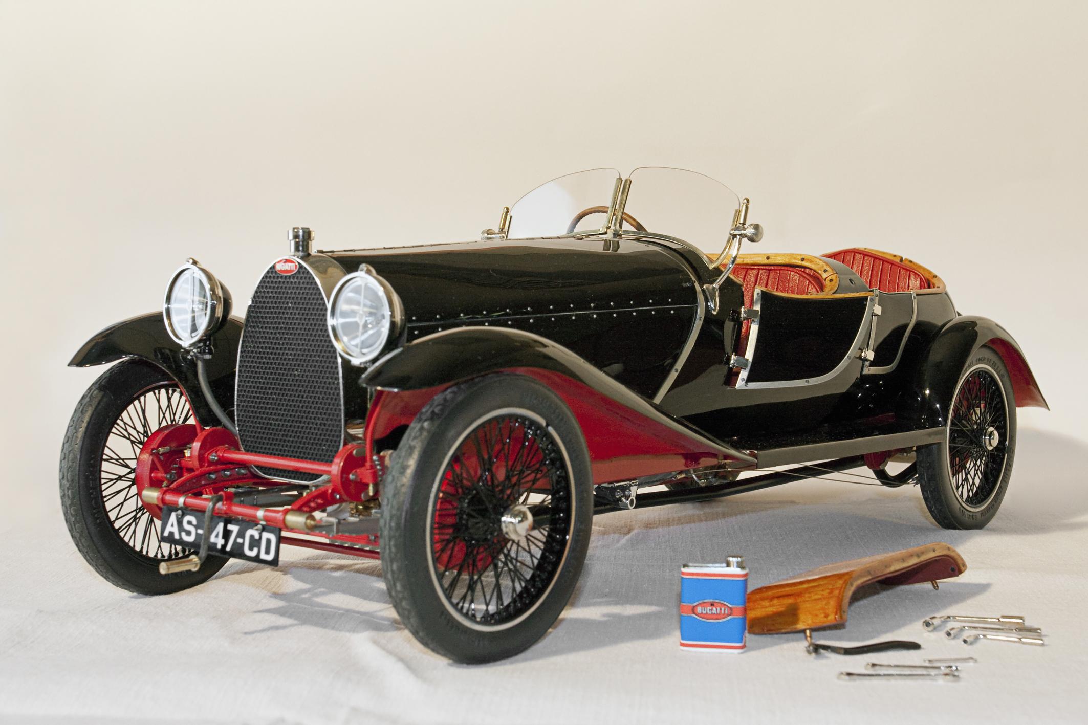 La Bugatti type 30 de 1926.